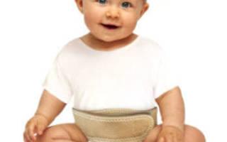 Как использовать бандаж для лечения пупочной грыжи у новорожденных?