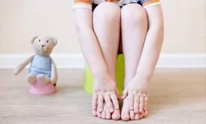 Почему у ребенка может появиться стул с кровью?